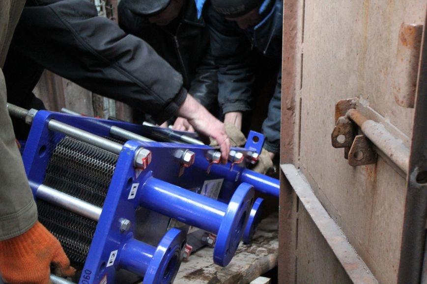 Мариупольским студентам подарили теплообменники, но горячей воды летом не пообещали (ФОТО), фото-8