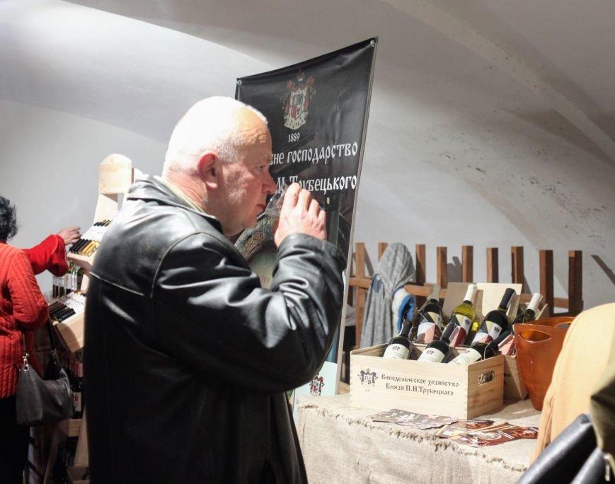 Ужгород п'є вино із сакури: фоторепортаж, фото-16