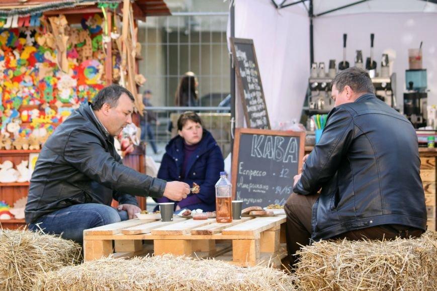 Ужгород п'є вино із сакури: фоторепортаж, фото-13