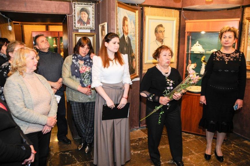 В Ялте открылась выставка Валентины Цветковой (13)