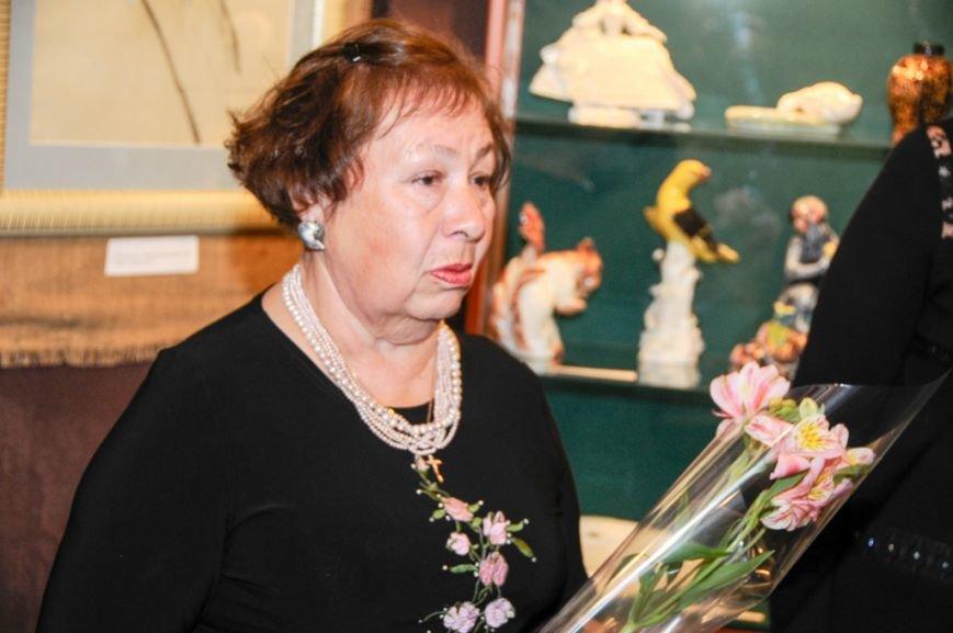 В Ялте открылась выставка Валентины Цветковой (12)
