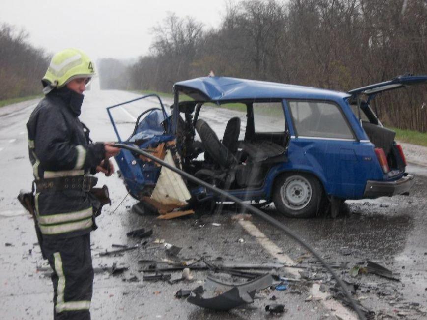 В ДТП на трассе погибли 3 человека, фото-1