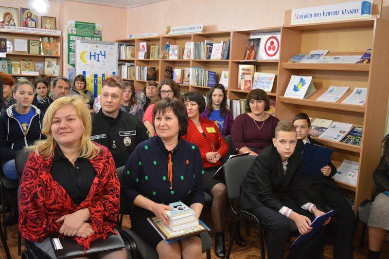 Руководство Покровского отдела полиции отметило благодарственными письмами местных активистов, фото-4