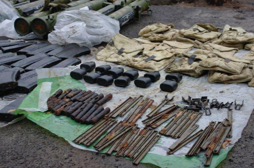 В Донецкой области задержали двух боевиков «ДНР» с огромным арсеналом оружия (ФОТО), фото-3