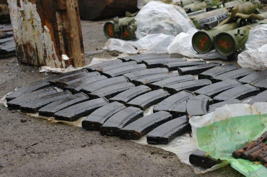 В Донецкой области задержали двух боевиков «ДНР» с огромным арсеналом оружия (ФОТО), фото-4