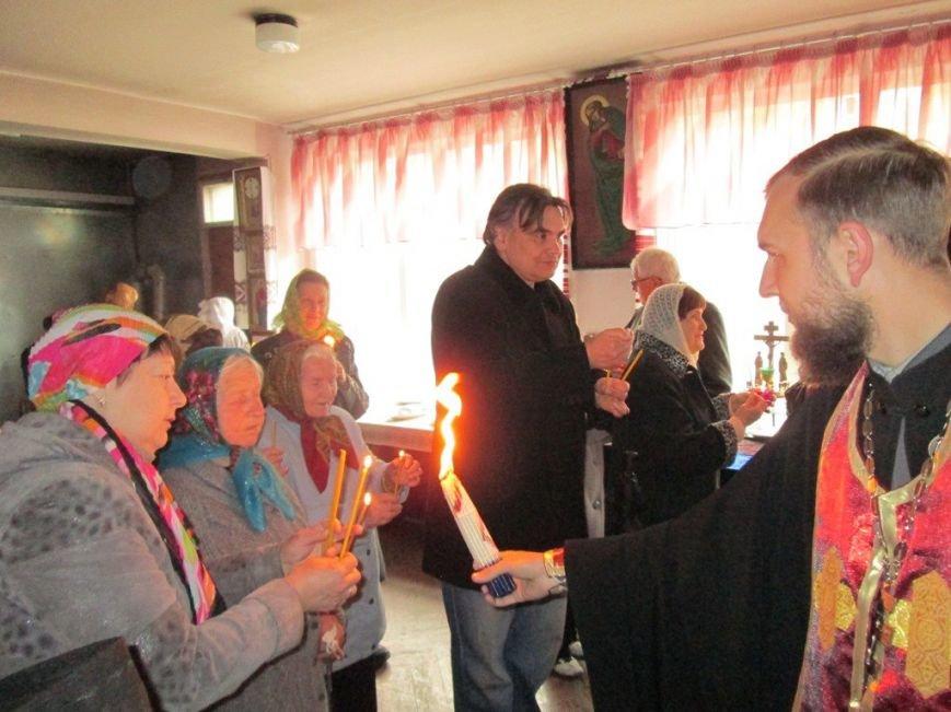 Благодатный огонь из Иерусалима прибыл в Никополь, фото-2