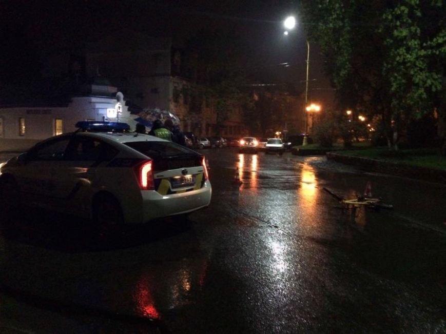 В Ужгороді на Собранецькій авто збило дитину на велосипеді: фото, фото-2