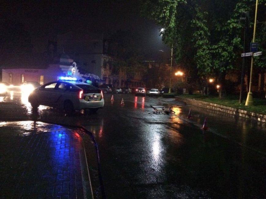 В Ужгороді на Собранецькій авто збило дитину на велосипеді: фото, фото-4