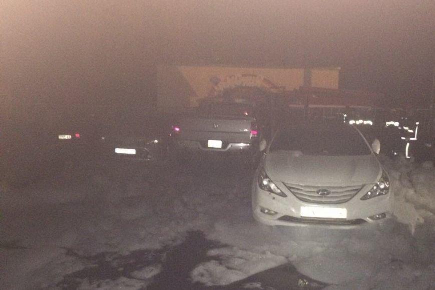 В Харькове на автостоянке сгорели три иномарки (ФОТО), фото-4