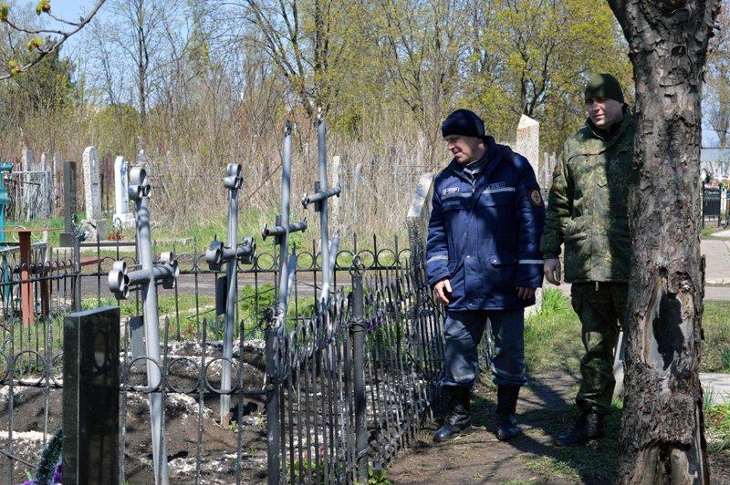 Нынешние поминальные дни в Покровске и районе прошли организованно и спокойно, фото-5