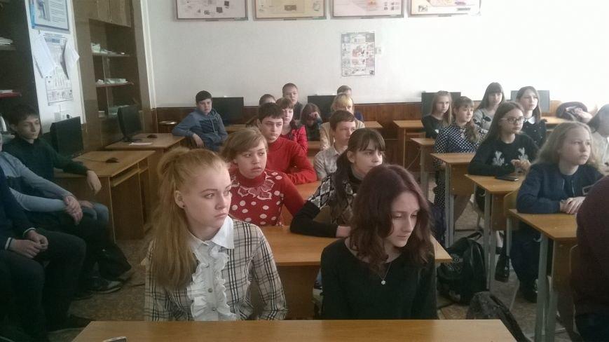 Новошахтинские школьники почтили память погибших в Чернобыле, фото-2