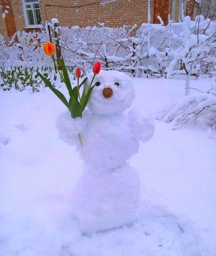 Крымчане в соцсетях хвастают апрельскими снеговиками (ФОТОФАКТ), фото-1