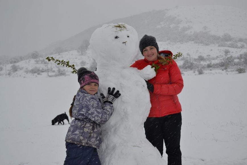 Крымчане в соцсетях хвастают апрельскими снеговиками (ФОТОФАКТ), фото-4