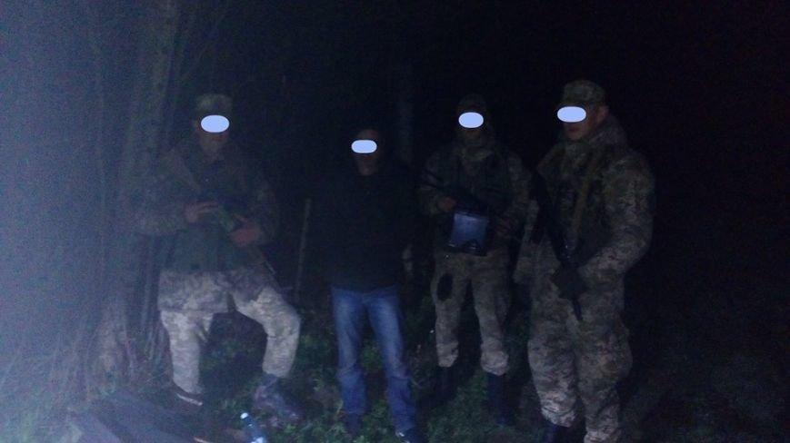 """Біля Ужгорода затримали двох громадян Сирії, які хотіли """"пролізти"""" у ЄС: фото, фото-1"""