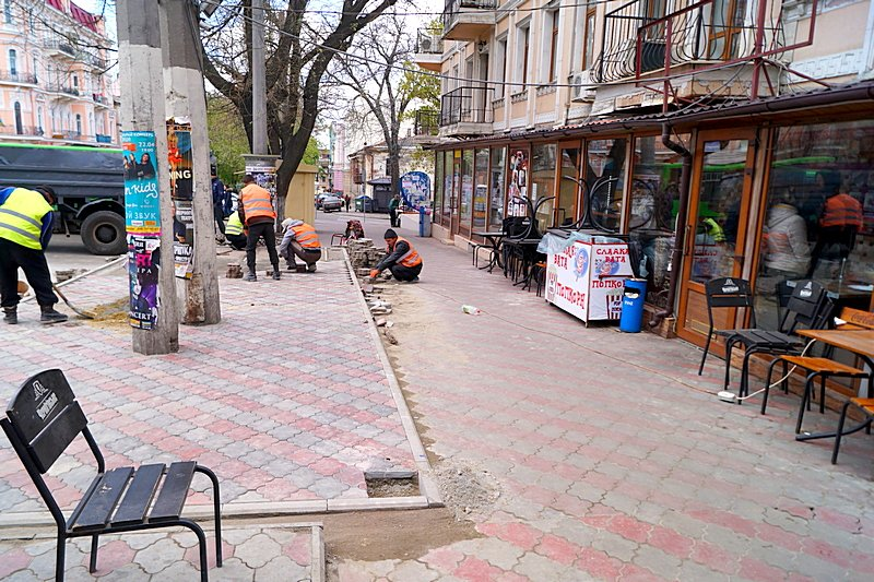 В центре Одессы шаурма «захватила» тротуар (ФОТО), фото-3
