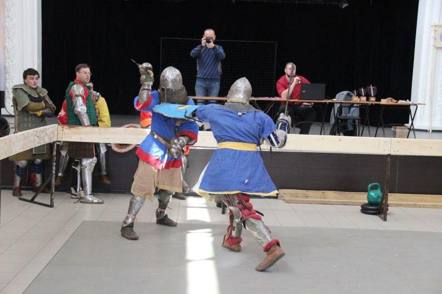 Ялтинцы приняли участие в чемпионате по Историческому Средневековому бою, фото-1