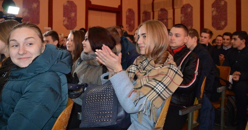 В Краматорске первоклассник обнаружил 14 гранат во дворе школы, фото-4
