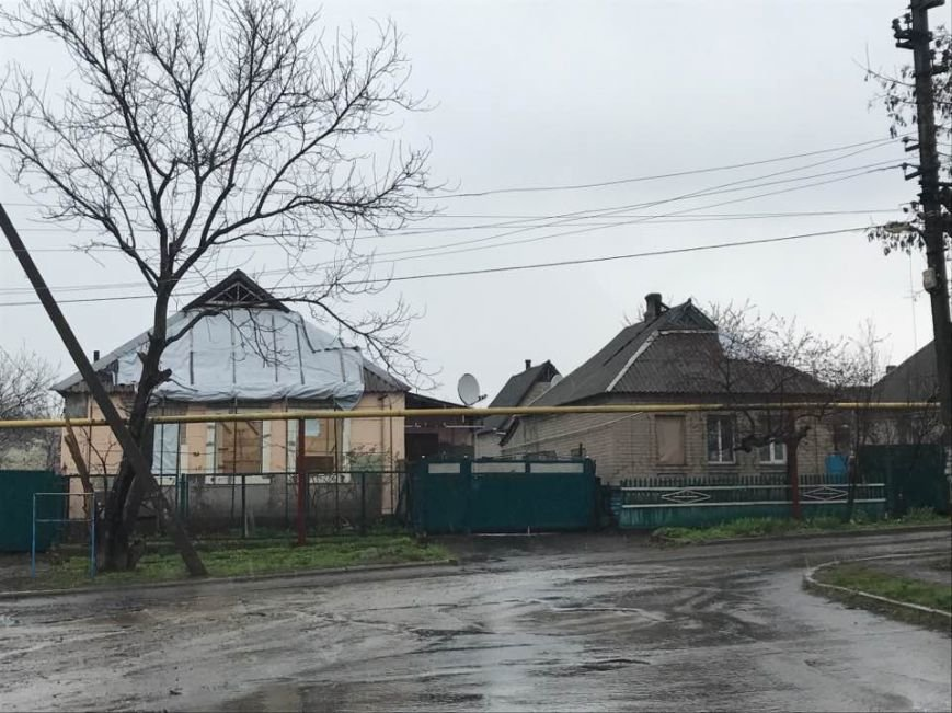 В Авдеевке в результате обстрелов боевиков пострадали сотни домов (ФОТО), фото-1
