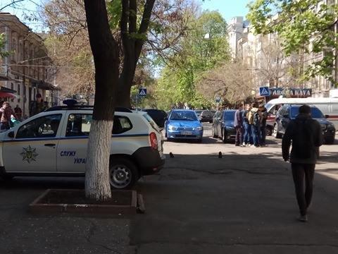Одесса под прицелом телефонных террористов: Заминировали все корпусы университета Мечникова (ФОТО, ВИДЕО), фото-8
