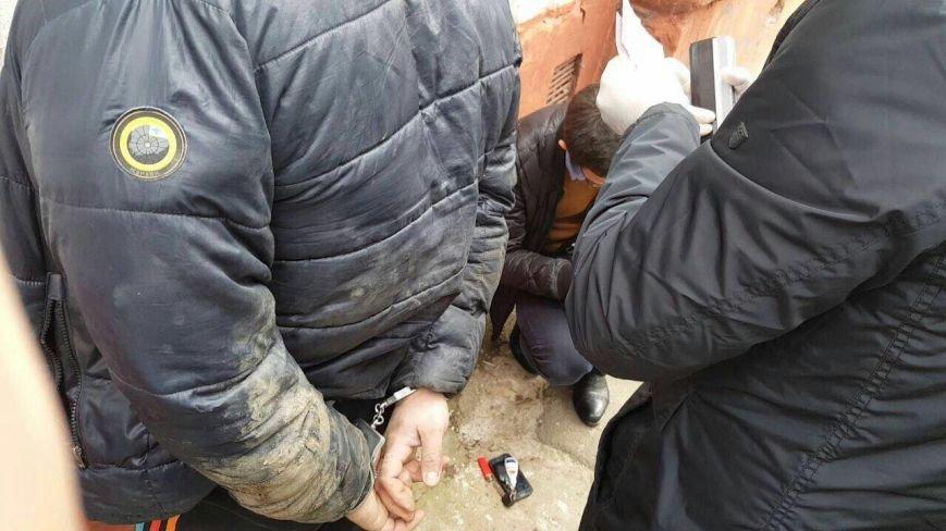 Сьогодні у Херсоні затримали поліцейського-наркоділка (фото), фото-1