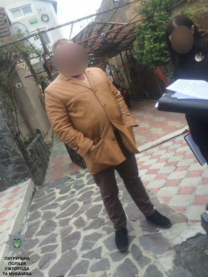 В Ужгороді на Плєханова чоловік з пістолетом погрожував фізичною розправою своєму знайомому: фото, фото-2