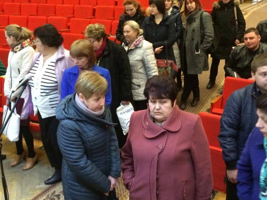 В Мариуполь завезли 7 тонн книг о разных периодах истории Украины (ФОТО, ВИДЕО), фото-4