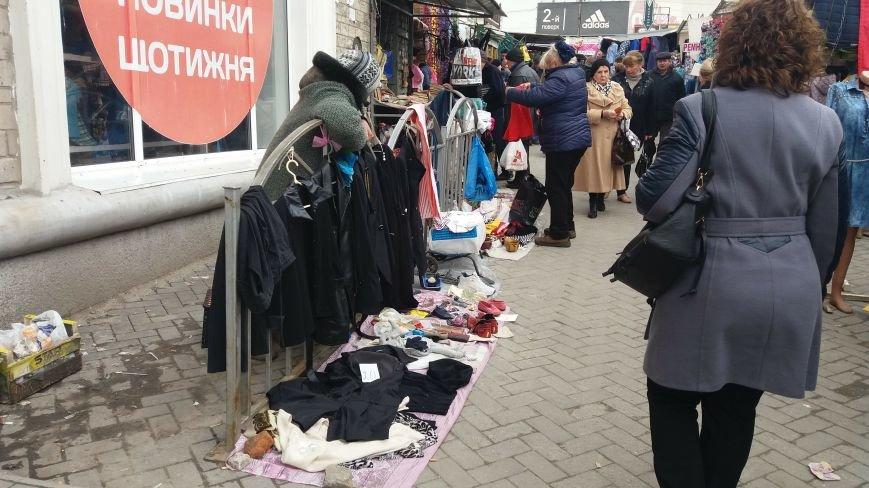 Выбрасывай правильно: куда и за сколько в Запорожье можно отдать ненужную одежду, – ФОТО, фото-4