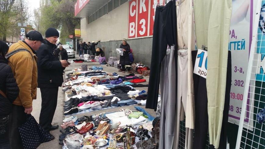 Выбрасывай правильно: куда и за сколько в Запорожье можно отдать ненужную одежду, – ФОТО, фото-3