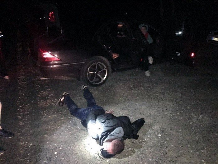 Прокуратура розповіла деталі затримання наркодилерів на Ужгородщині: фото, фото-1