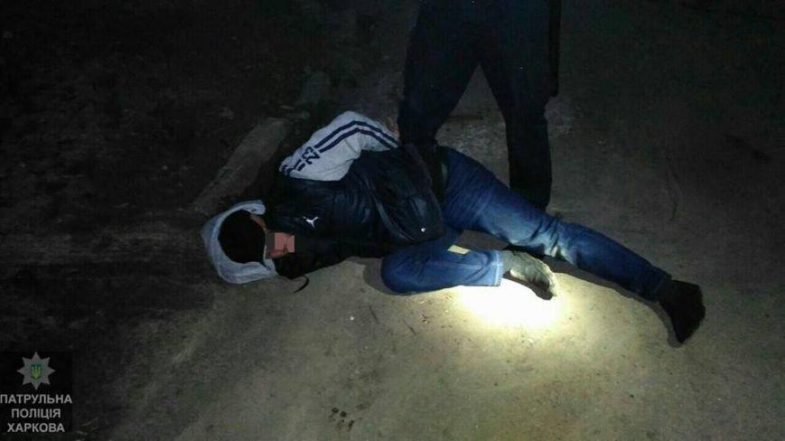 В Харькове мошенник вымогал у женщины две тысячи долларов и попался полиции (ФОТО), фото-2