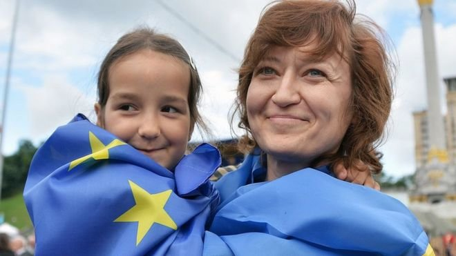 Постійні представники ЄС затвердили безвіз України, фото-1