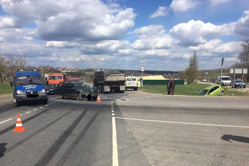Водитель «Жигулей» погиб после лобового столкновения с «Шевроле», фото-1