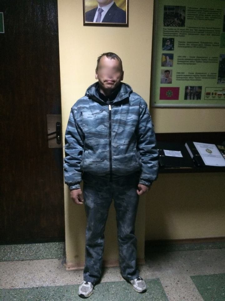 У Чопі прикордонники затримали нелегала із Молдови, який через Ужгород хотів потрапити до Словаччини: фото, фото-2