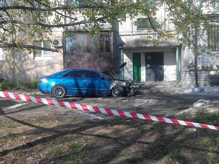 Иномарки, сожженные в Покотиловке, принадлежали прокурору и его родственнику (ФОТО), фото-1