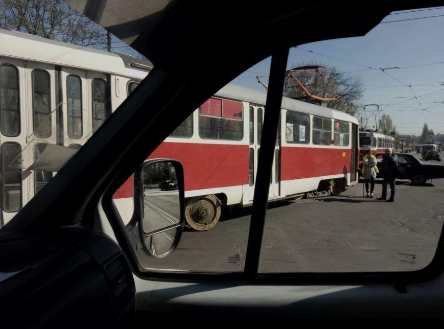 "В Харькове четвертый день подряд ""дрифтуют"" трамваи (ФОТО), фото-1"