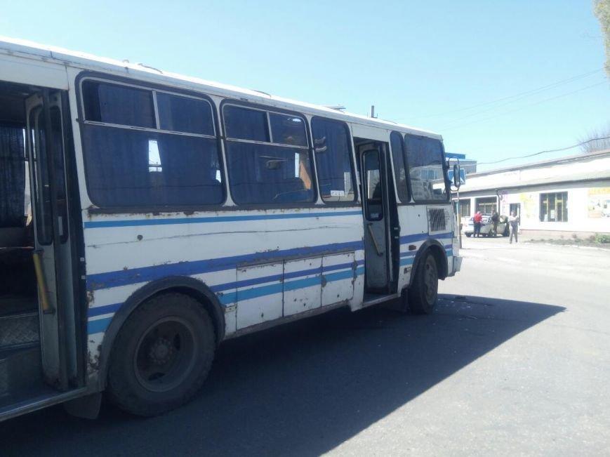 В Мирнограде рейсовый автобус ПАЗик с пассажирами протаранил «Hyundai», фото-5