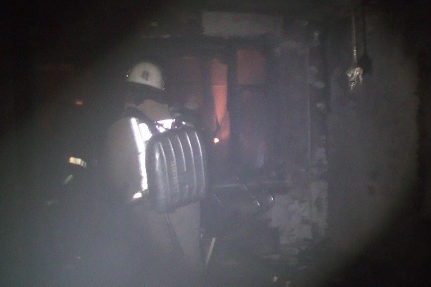 В Харькове горела жилая девятиэтажка: спасатели эвакуировали людей из-за дыма (ФОТО), фото-2