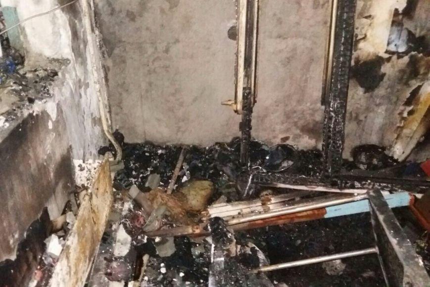 В Харькове горела жилая девятиэтажка: спасатели эвакуировали людей из-за дыма (ФОТО), фото-3