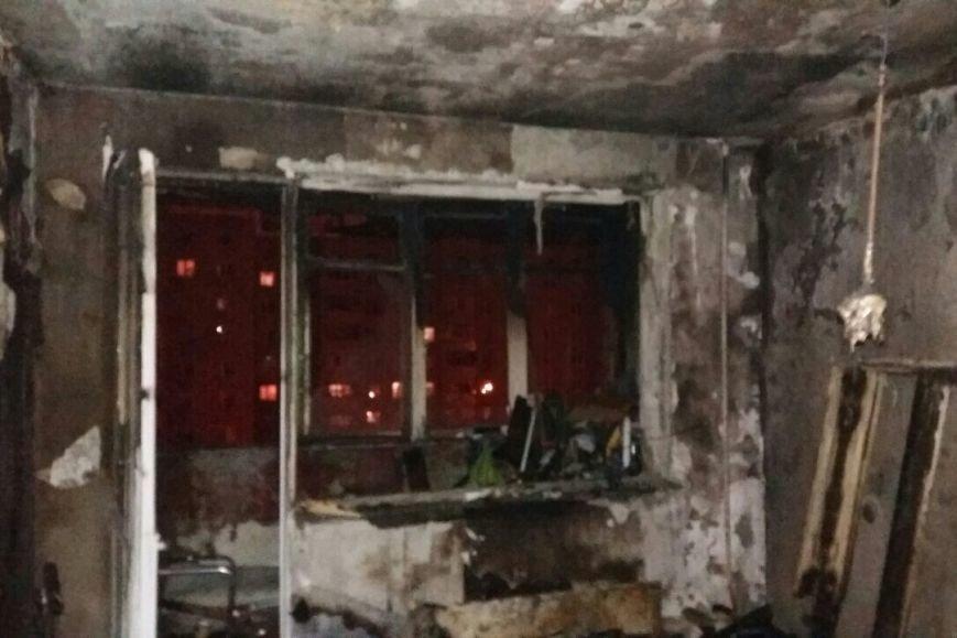 В Харькове горела жилая девятиэтажка: спасатели эвакуировали людей из-за дыма (ФОТО), фото-4