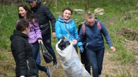 У Новограді-Волинському пройшла екологічна акція «Чисті береги», фото-1