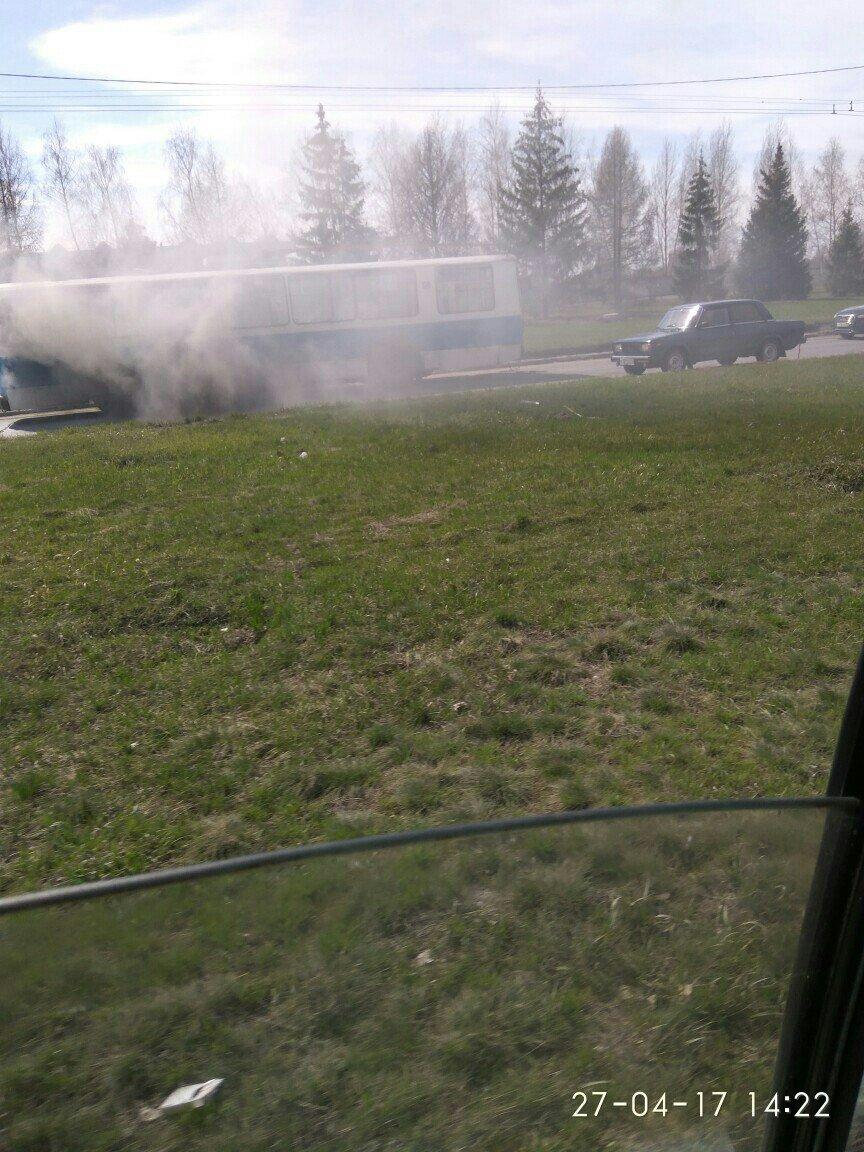 В Ульяновске загорелся троллейбус. ФОТО, фото-2