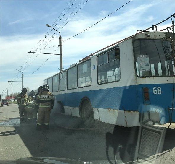 В Ульяновске загорелся троллейбус. ФОТО, фото-1