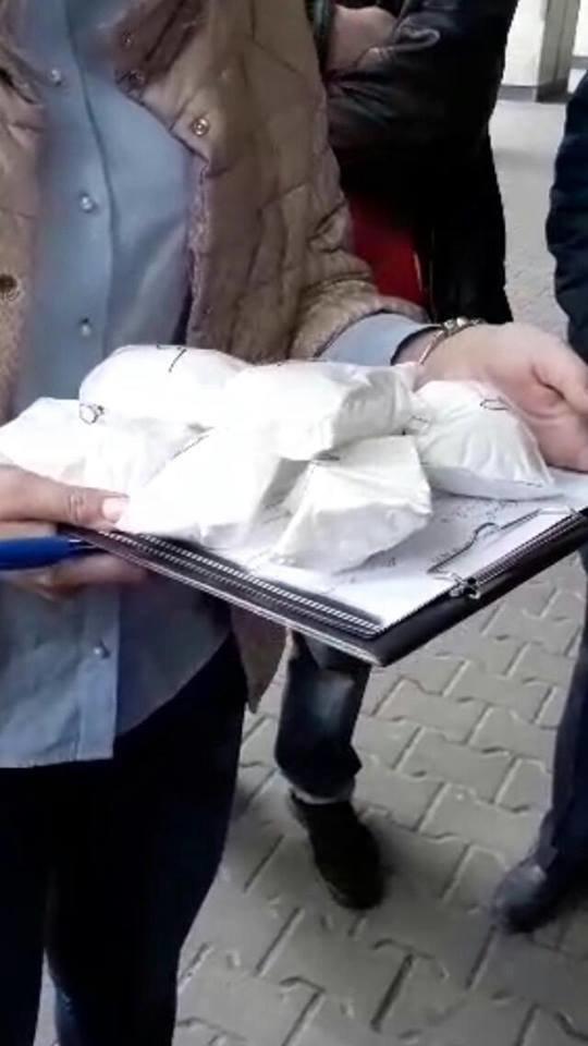 Нашли в квартире кокаин, экстази, марихуана и гашиш:в Харькове полиция задержала наркобарона из Киева (ФОТО), фото-2