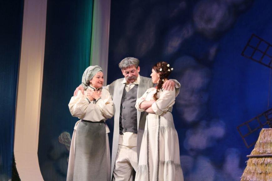 В каменском театре поведали о преданных женщинах и слабых мужчинах, фото-3