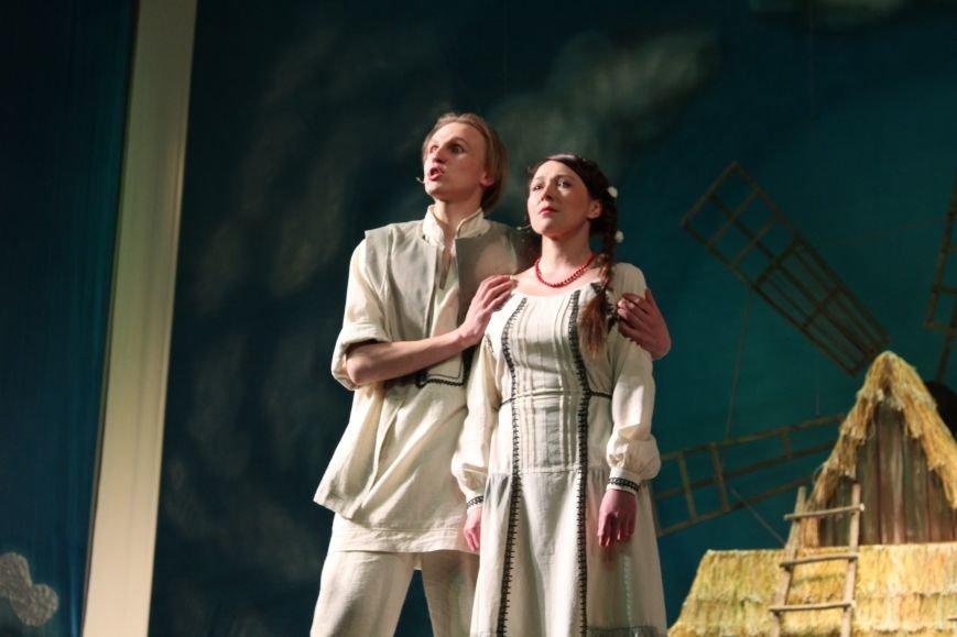 В каменском театре поведали о преданных женщинах и слабых мужчинах, фото-8