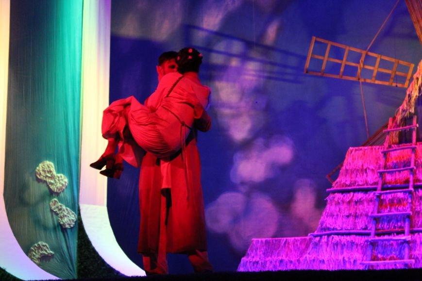 В каменском театре поведали о преданных женщинах и слабых мужчинах, фото-9