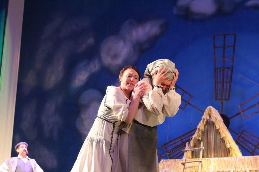 В каменском театре поведали о преданных женщинах и слабых мужчинах, фото-4