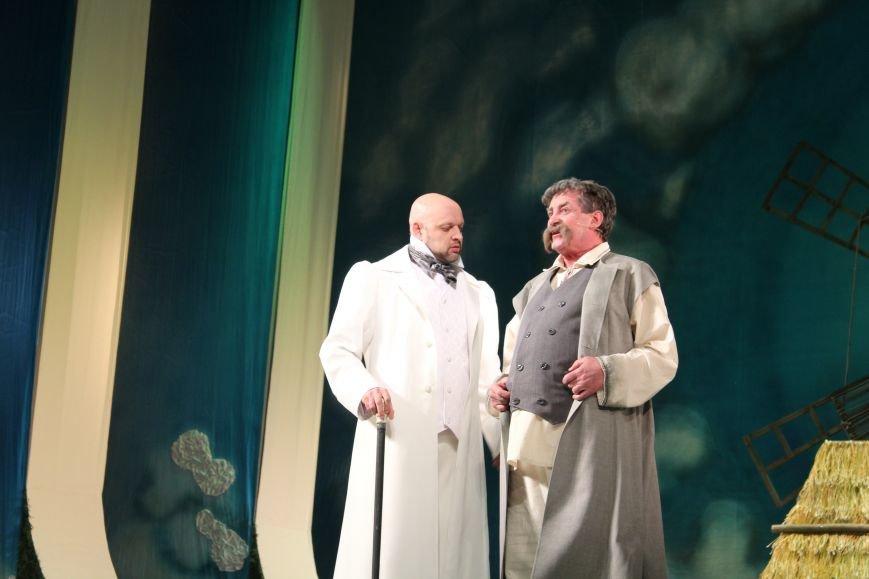 В каменском театре поведали о преданных женщинах и слабых мужчинах, фото-2