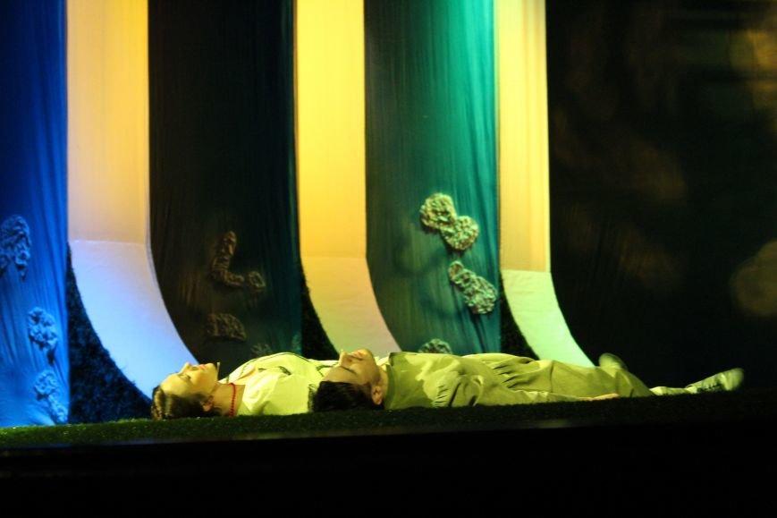 В каменском театре поведали о преданных женщинах и слабых мужчинах, фото-11