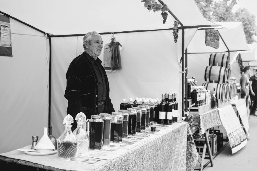 """""""Сонячний напій"""" в Ужгороді: ціни, затори та вино (ФОТОРЕПОРТАЖ), фото-15"""